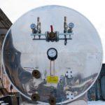 Резервуар для хранения жидкой двуокиси углерода РДХ-12,5-2,0 горизонтального типа с кожухом из нержавеющей стали